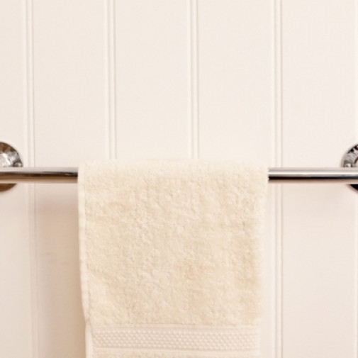 R6 Single Towel Rail